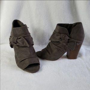 Indigo Rd. stacked heel, peep toe